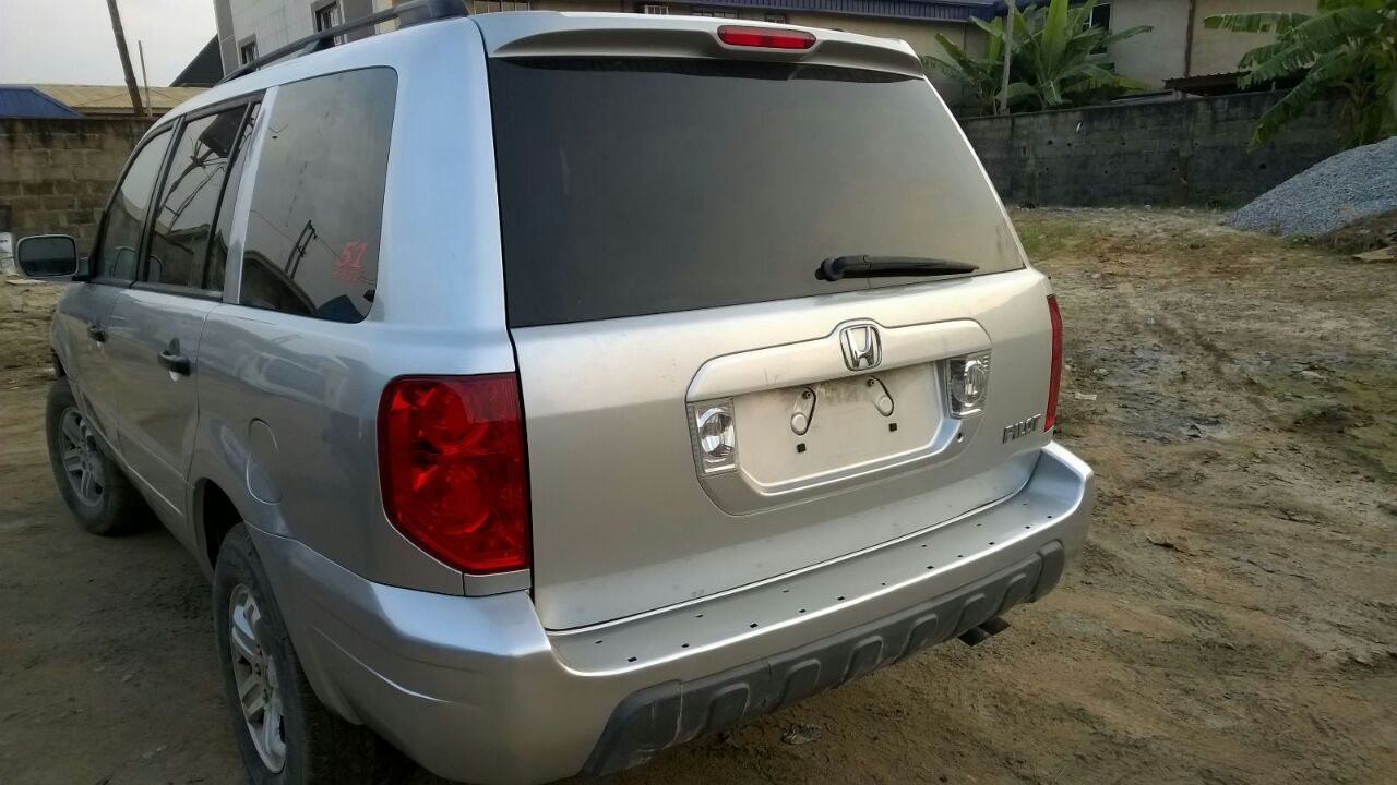 ... Silver And Blue, Price Is Just 1.8m. Only Interested Buyers Should  Call: +2348037826308, +2349059828577. Re: Tokunbo Honda Pilot 2005 ...