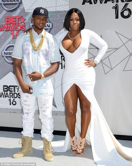 Photos Rapper Remy Ma Boobs Poping Out Of Dress At Bet