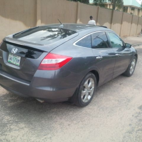 about 3units of honda crosstour nig used 2010 for sale autos nigeria. Black Bedroom Furniture Sets. Home Design Ideas