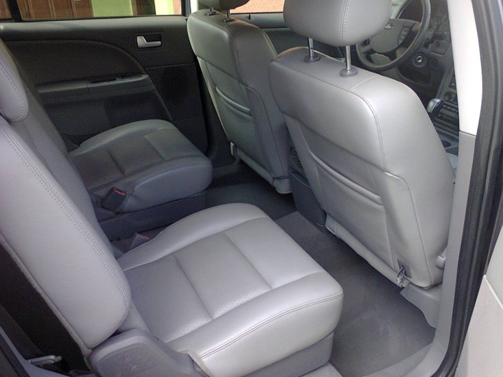 Extra clean ford freestyle with leather seat alloy wheels automatic gear cd player neat interior power doors power windows three row seats etc ... & Ford Freestyle 2006 Model Tokunbo - Autos - Nigeria Pezcame.Com