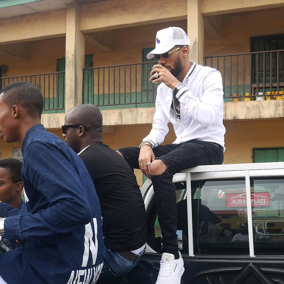 Phyno Steps Out With Zoro Swagbag (Photos) - Celebrities