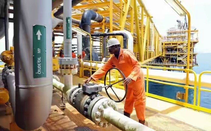 FG Begs Oil Firms Not To Sack Workers