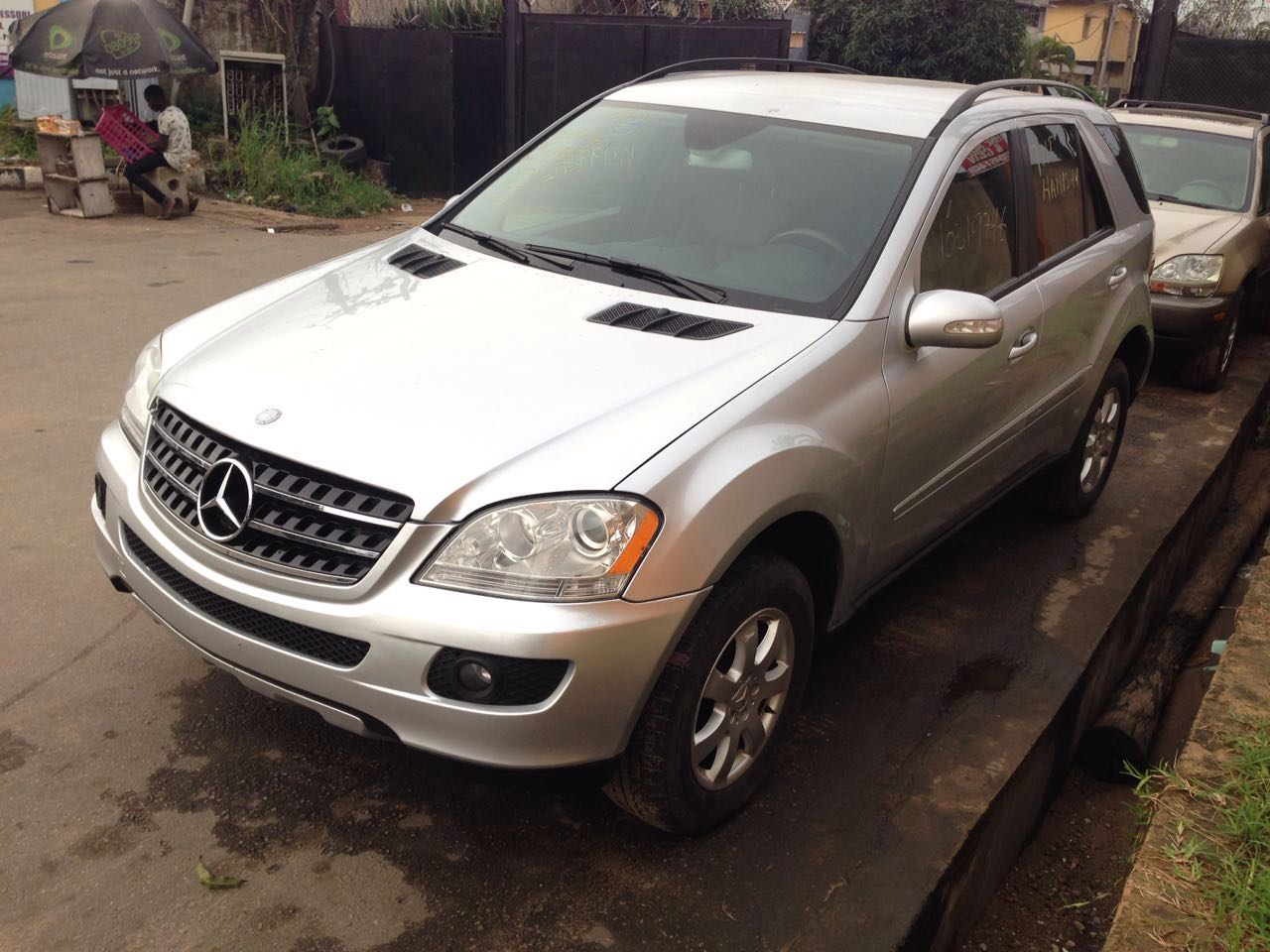 Mercedes benz ml350 4matic 2007 fully loaded extremely for Mercedes benz accessories ml350