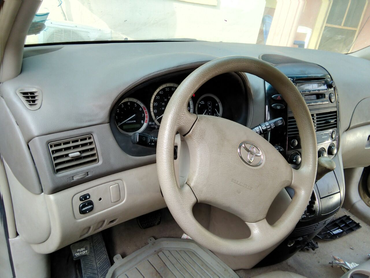 toyota sienna 2004 model is for sale in ph autos nigeria. Black Bedroom Furniture Sets. Home Design Ideas