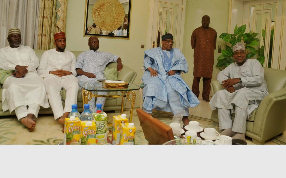 See Ibrahim Babangida's Look As Speaker Dogara Visits Him (Photos)