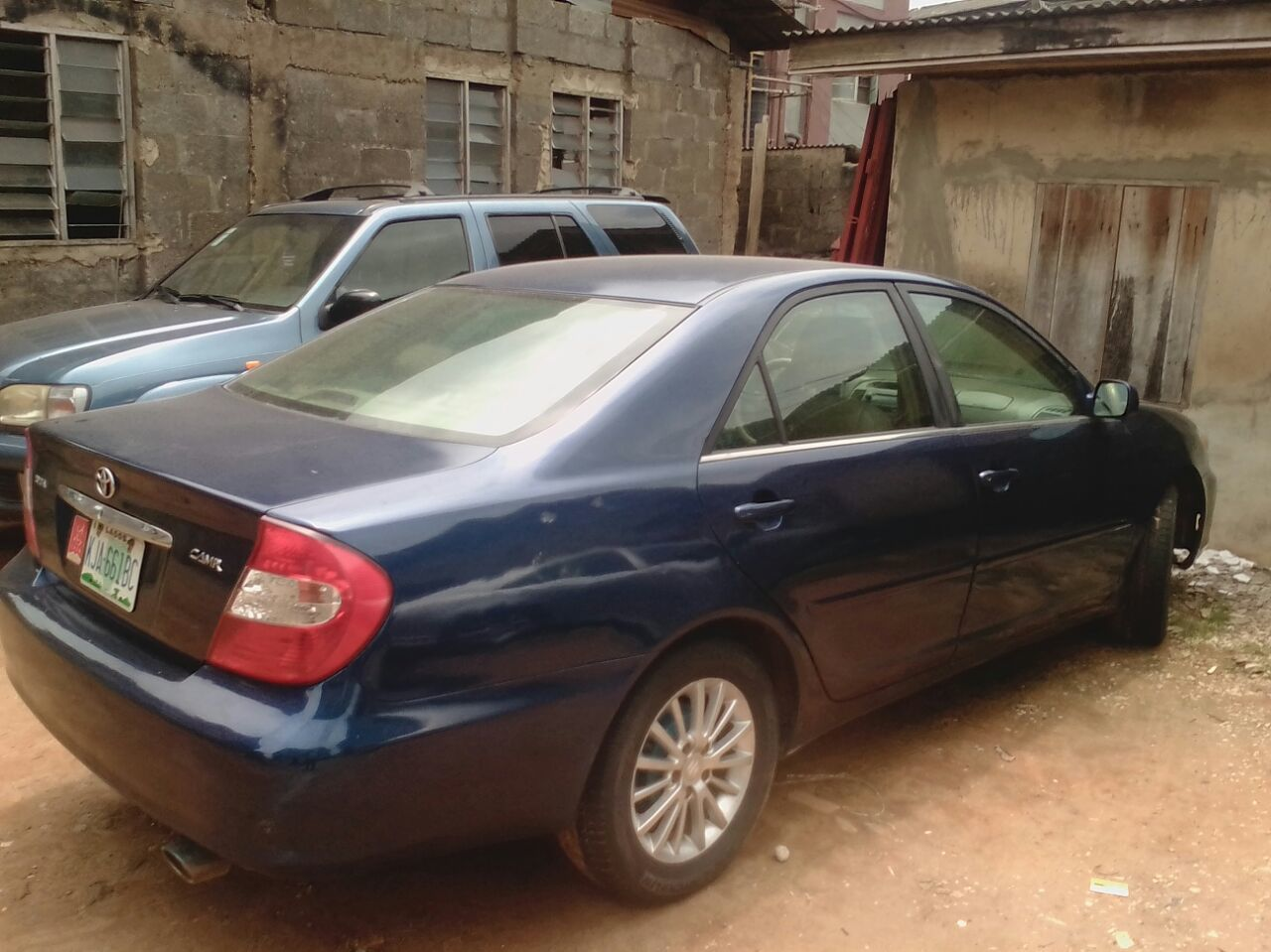 super clean used 2004 toyota cary leather interior for sale 800k autos nigeria. Black Bedroom Furniture Sets. Home Design Ideas