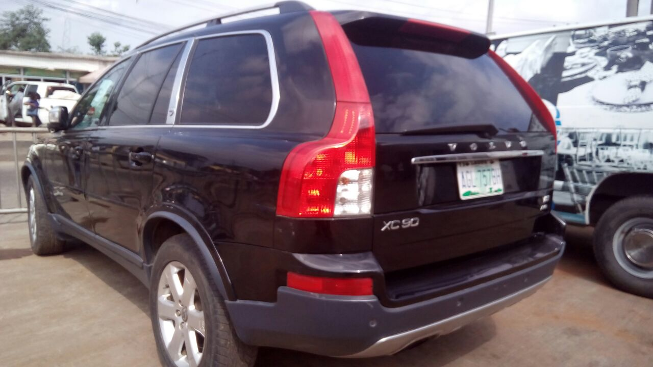 this suv machine is a dash 2010 volvo xc90 registered for sale at give away pr autos nigeria. Black Bedroom Furniture Sets. Home Design Ideas