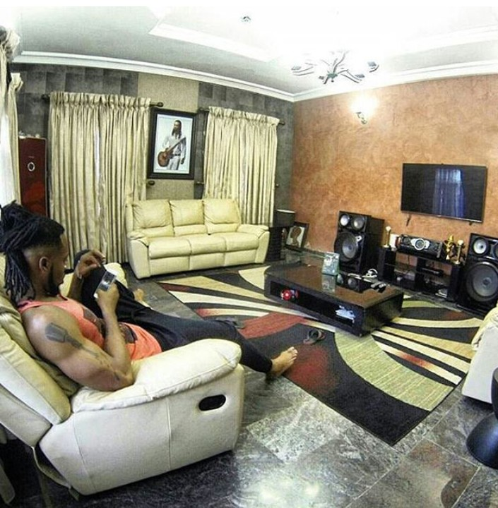 Nigerian celebrity living rooms that will make you envious for Living room designs for bachelors