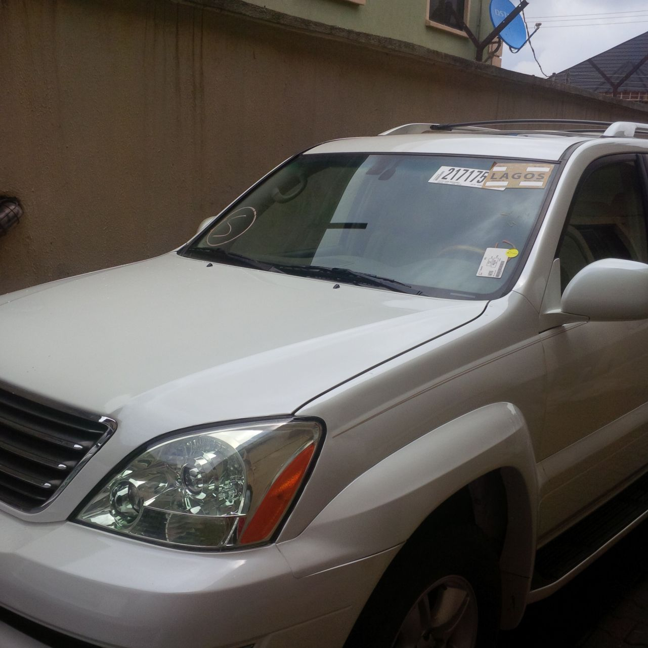Lexus Suv 2005 For Sale: Clean Tokunbo 2005 Lexus GX470 For Sale With Reverse