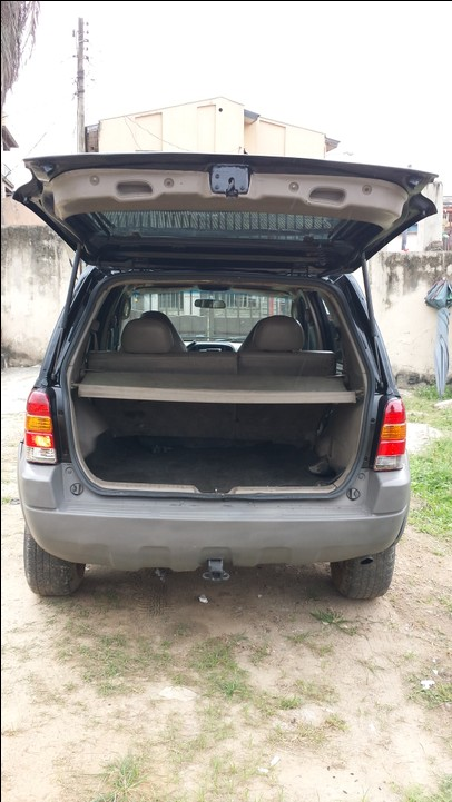 clean used 2005 ford escape for sale 900k negotiable see pix autos nigeria. Black Bedroom Furniture Sets. Home Design Ideas
