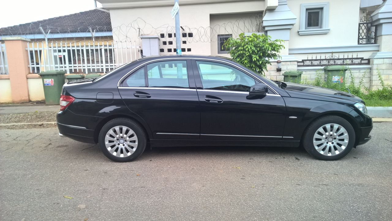 Abuja almost brand new cleanest 2010 mercedes benz c230 for Mercedes benz c230