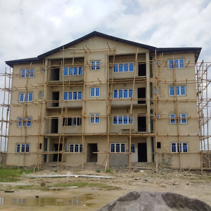 Lekki Phase 1 Luxurious 3 Bedroom Apartment For N37m Only