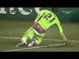 Image of: Funny Vines Httpisaacfortuneblogspotcomng201609funnyfootballvideosever infootballhtmlmu003d1 Gfycat Funny Football Videos Ever In Football Sports Nigeria