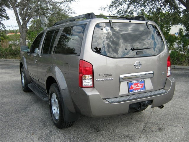 2005 nissan pathfinder suv 4x4 buy me 3 1 million autos nigeria. Black Bedroom Furniture Sets. Home Design Ideas