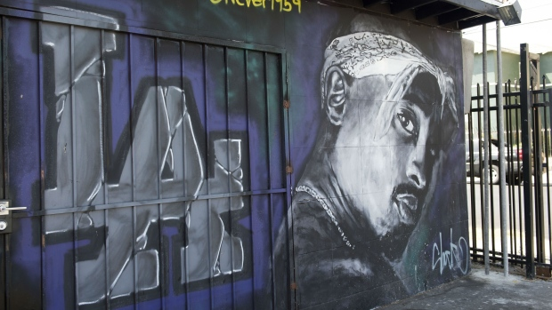 20 years on tupac reigns as potent global force for 2pac mural new york