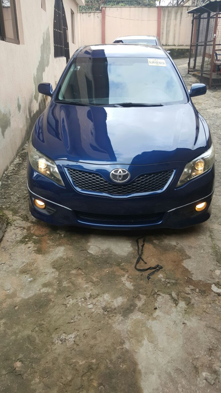 2010 toyota camry se for sale autos nigeria. Black Bedroom Furniture Sets. Home Design Ideas