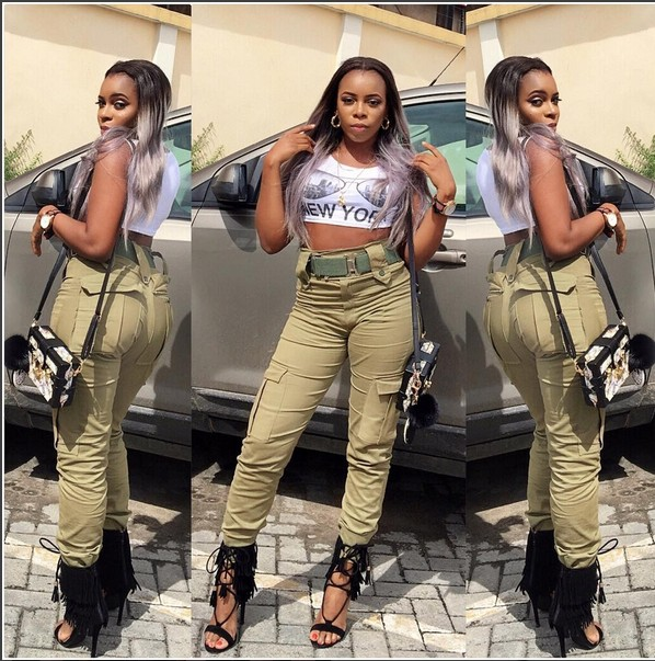 OMG!!! OGUN FEMALE CORPER EXPOSES HER BODY WEARING NYSC UNIFORM – WHAT THEY DID TO HER WILL SHOCK  YOU (PHOTOS)