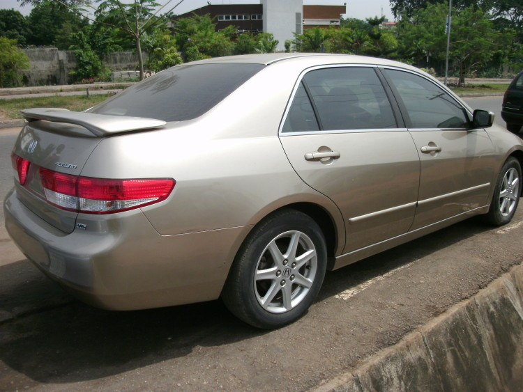 Sharp Ride Tokunbo 2003 Honda Accord Ex Gold Color