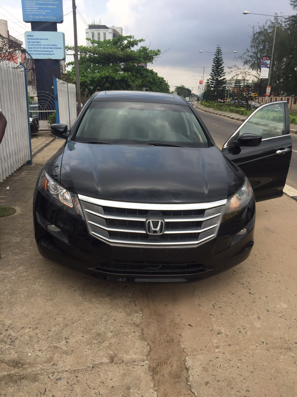honda crosstour 2012 5m autos nigeria. Black Bedroom Furniture Sets. Home Design Ideas