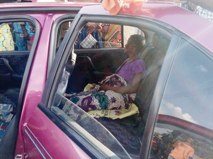 Shock As Woman Discharges Maggots From Her Private Part In Ogun (Photo)