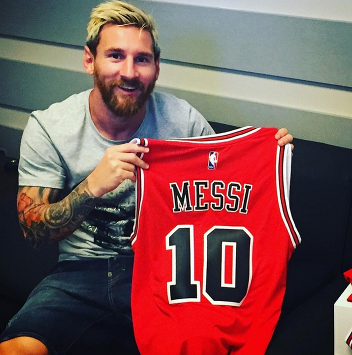 buy online 2af44 a49c0 Messi Poses With New Chicago Bulls Jersey - Sports - Nigeria