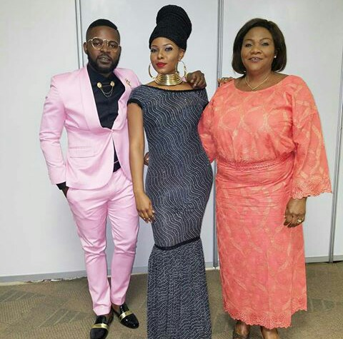Yemi Alade With Her Mother And Boyfriend At 2016 MTV MAMA