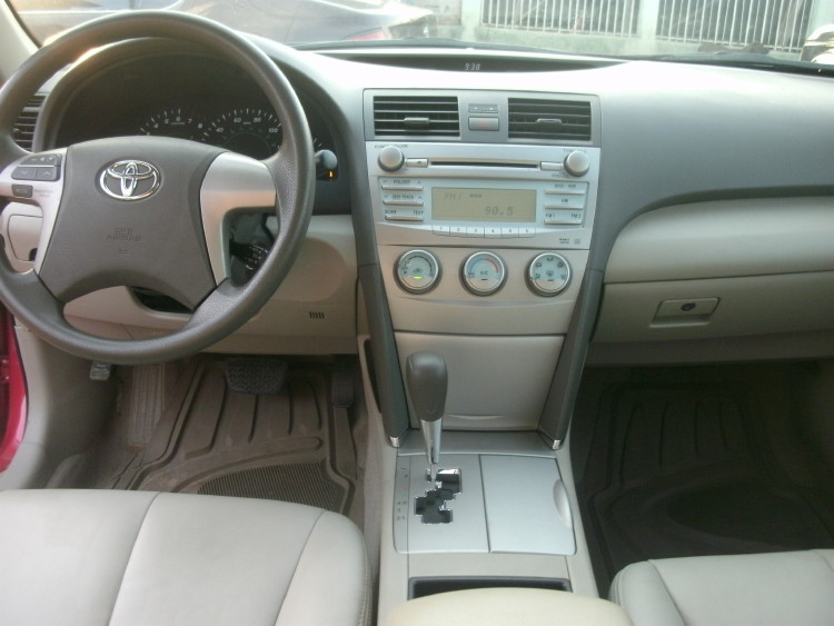 Tokunbo 2009 Toyota Camry Leather Interior Low Mileage