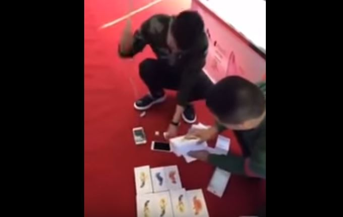 Man Buys And Destroys 15 Iphones After Been Insulted By Store Attendant