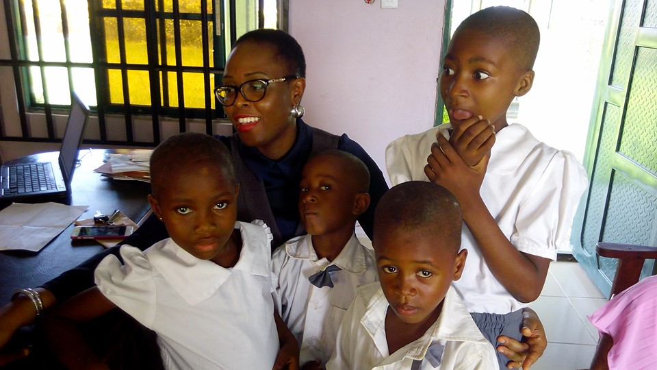 Popular Blogger Laila Ijeoma Gives Scholarship To 6 Kids, Visits Them In Ogoja School