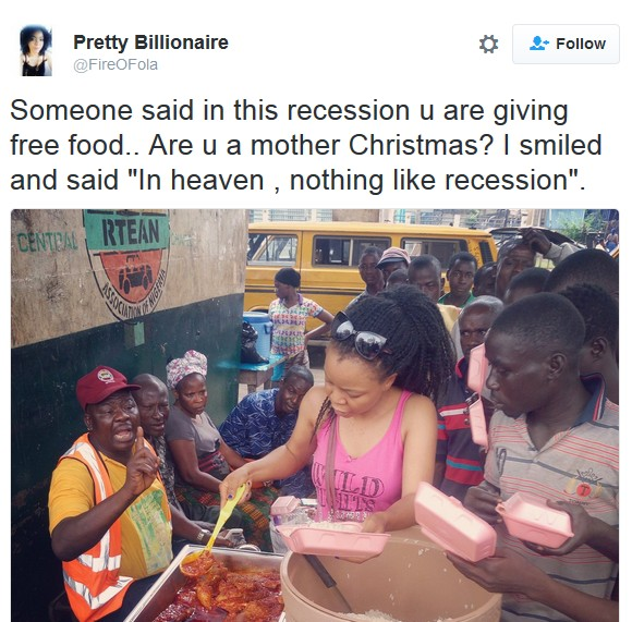 Nigerian Lady Sharing Free Food During Recession Goes Viral