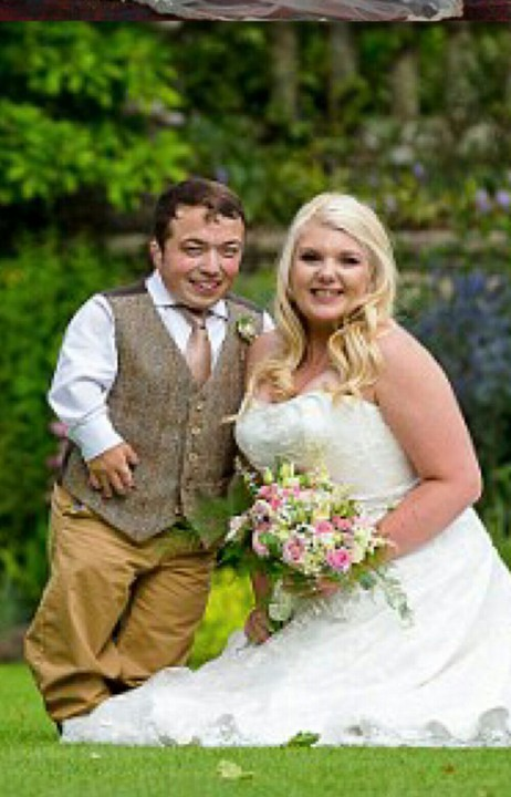 3ft 7ins Groom Brings His Own Specially-made Ladder To Church As ...