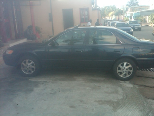 tokunbo 1999 clean title toyota camry american spec price negotiab. Black Bedroom Furniture Sets. Home Design Ideas