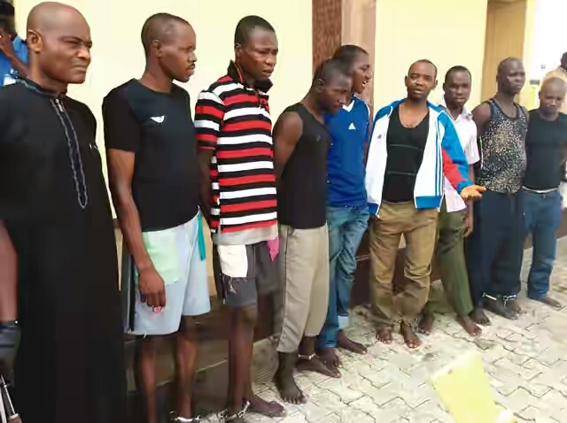 Nigerian Police Force Dismisses 14 Policemen For Selling Arms To Criminals (photo)