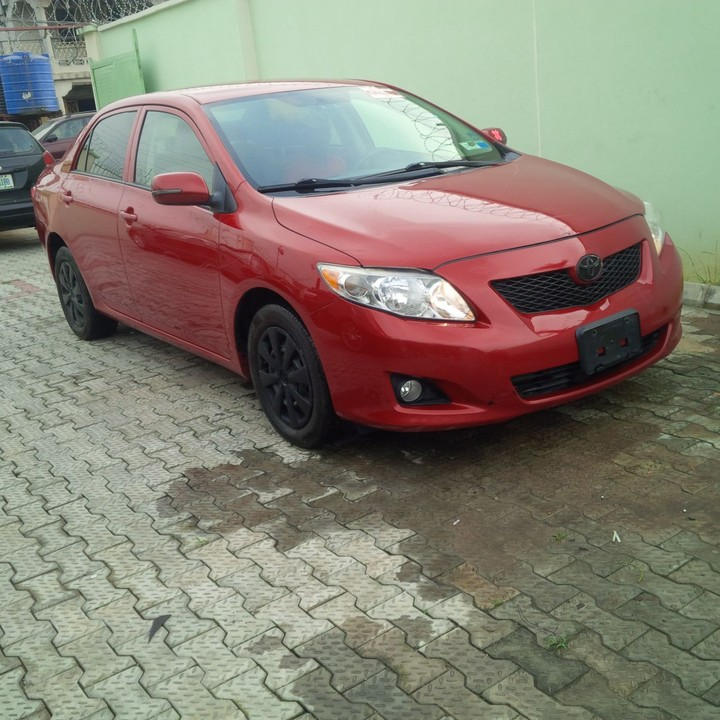 Mint Clean Tokunbo 010/2011 Toyota Corolla Le.....price 3