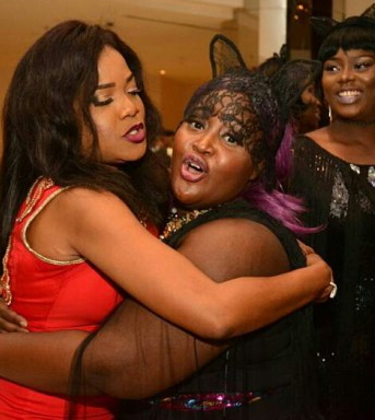 Female Fan Carries Toyin Aimakhu Up At An Event In Lagos(photos)