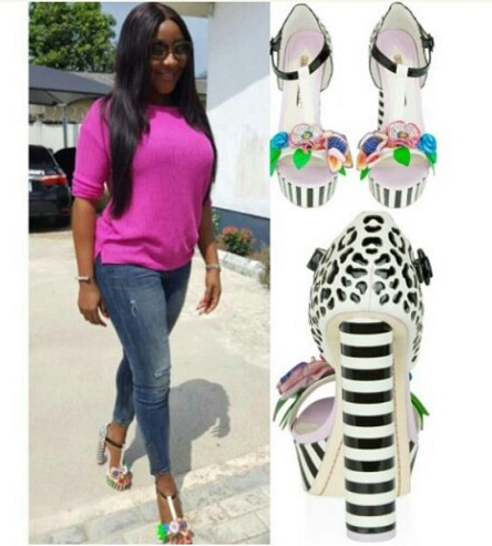 4eba4057ab72 ... Sophia Webster Lilico Jungle floral sandals. She matched the sandals  with pink top and ripped jean. see more photo here ...