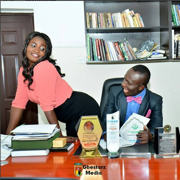 Lady Flashes Her Backside For Her Man In Pre-Wedding Pics After 10 Years Of Dating