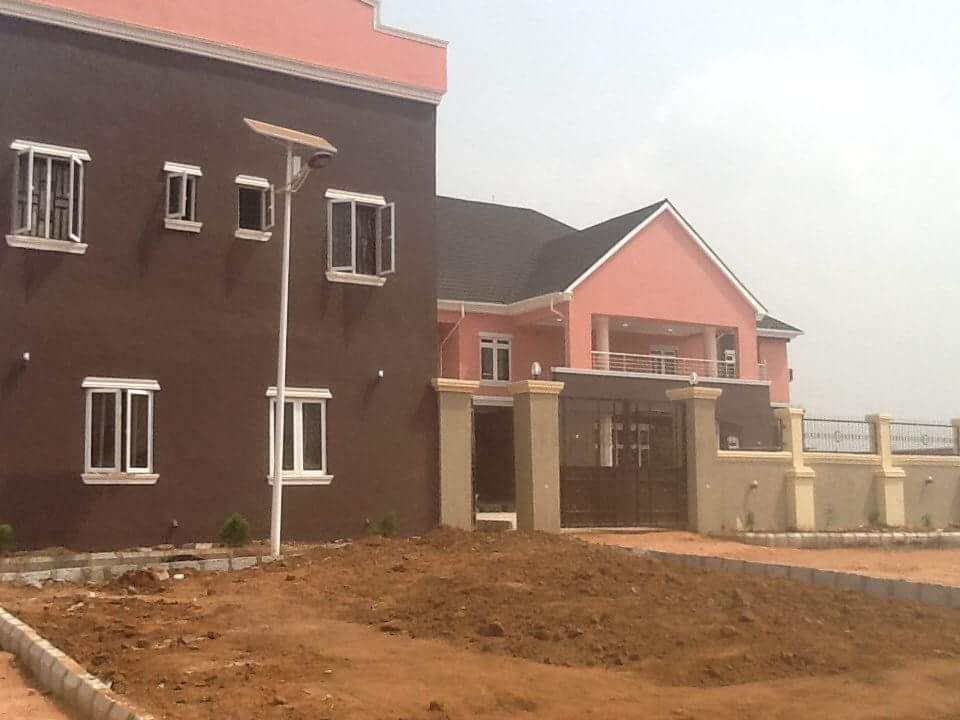 Obiano Opens The 16 Storey Building Hospital Built By Dr Maduka At Umuchukwu Village Now Opened (Photos) 4643815_fbimg1482428974983_jpegda987b1ddd8222a385695225191a2e50