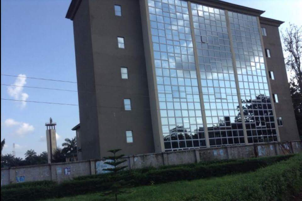 Obiano Opens The 16 Storey Building Hospital Built By Dr Maduka At Umuchukwu Village Now Opened (Photos) 4643828_fbimg1482429018886_jpege1d8d93322b1a439b80cfd8b4fbbf1f3