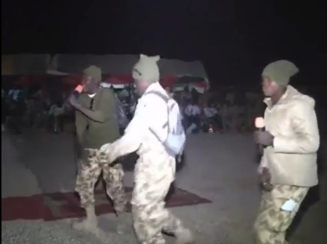 [Pics/video] Nigerian Troops Celebrate, Rap Battle And Dance With Gen Buratai