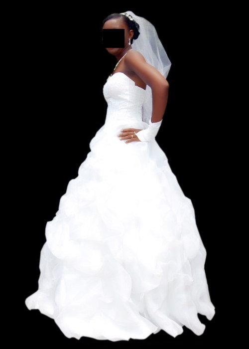 White Ball Wedding Gown For Rent @ 15k - Events - Nigeria