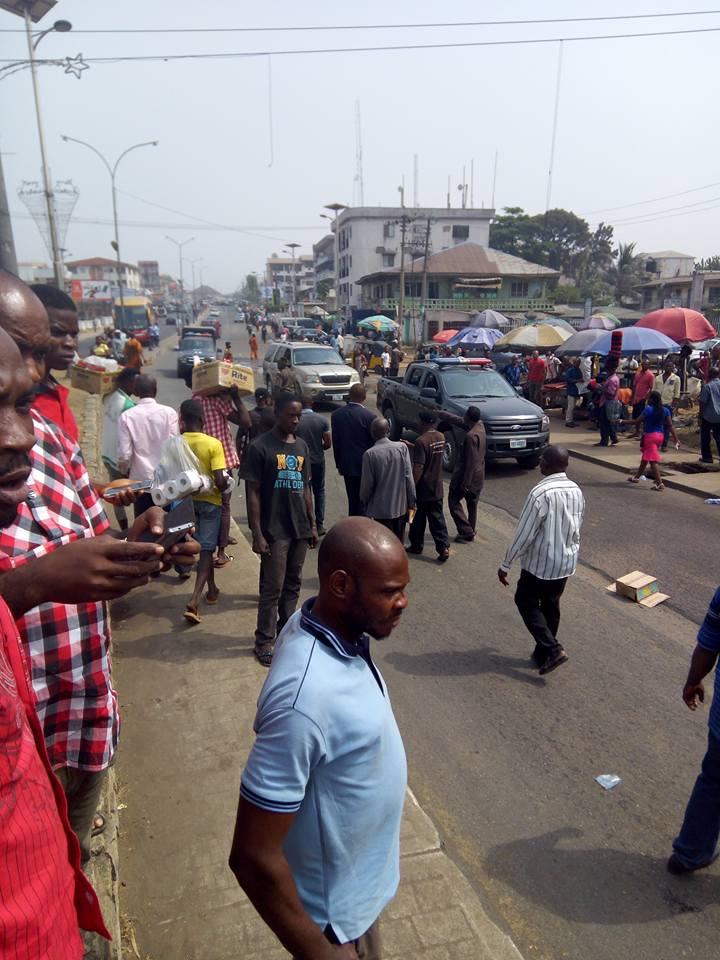 Ohakim Blasts Rochas Okorocha As Pensioners Block Governor's Motorcade (Photos)