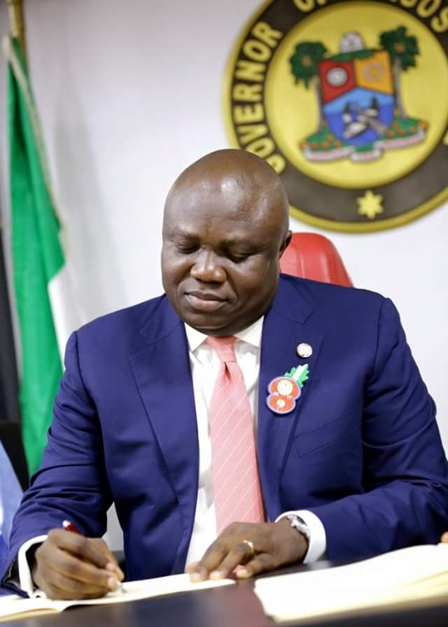 2017 Budget: Ambode Signs N812.998bn Appropriation Bill Into Law(photos)