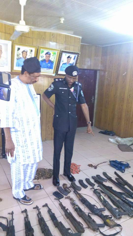 See The Weapons Bauchi Police Recovered From Kidnappers With The Help Of A Hunter