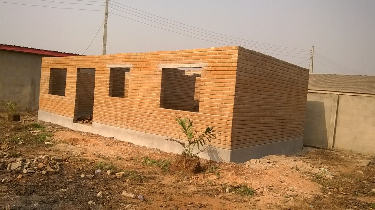 Red bricks option cost of building and time reduced for Brick house construction cost