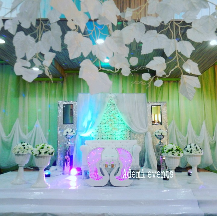 Pictures of lovely wedding reception decorations and cakes events ademi events first wedding decor 2017 we bring it back again wedding paparazzi 08020714830 08104025354 ademijewelleryevents junglespirit Image collections