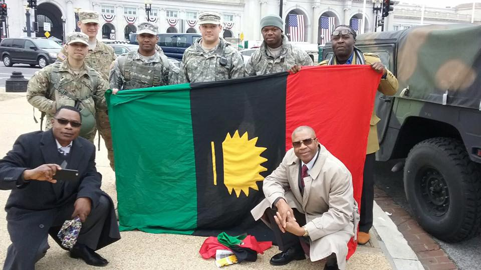 YOU CANT STOP BIAFRA!!  SEE WHAT BIAFRA AGITATORS (IPOB) & US SOLDIERS DID  AT DONALD TRUMP'S INAUGURATION [PHOTOS]