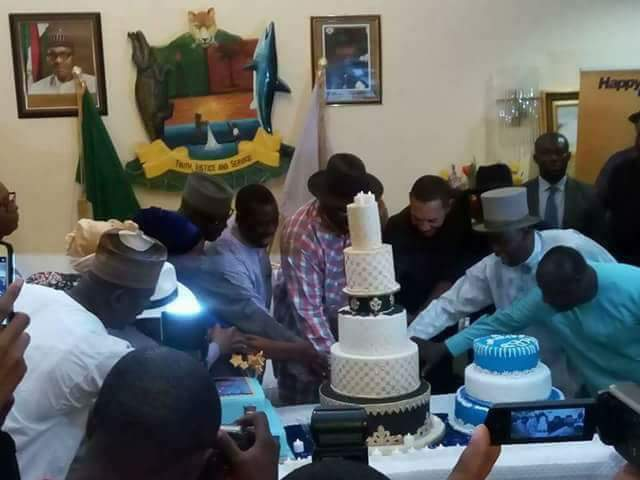Governor Dickson Cuts His 51st Birthday Cake