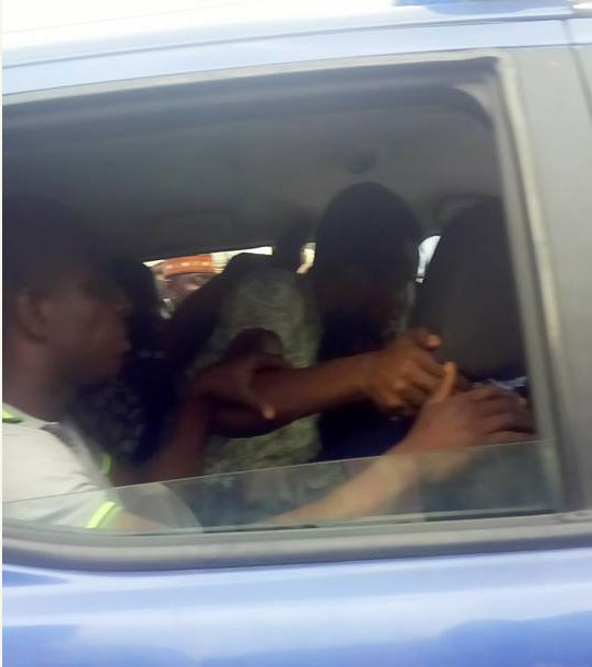 4817917_seunegbegbe2_jpege216ed829e04c22617260cba3b0cbb3d Again, Seun Egbegbe Arrested For Trying To Dupe Mallam Of N10m In Lagos (Pics, Video)
