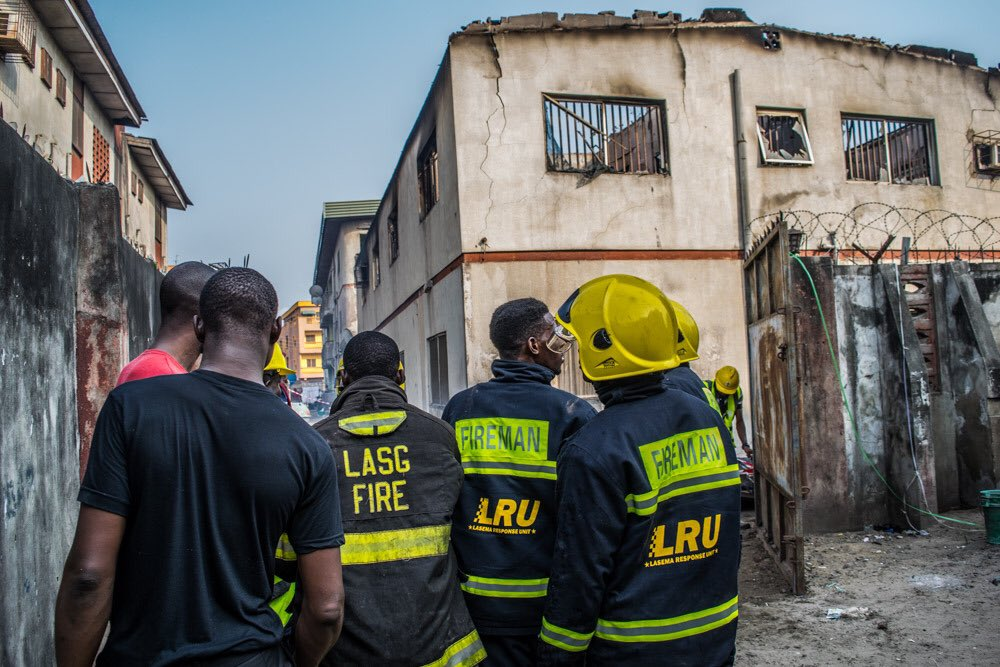 PHOTOS: Fire Fighters Rescue 3 Children From Burning House In Lagos 4832528_1_jpeg83b5009e040969ee7b60362ad7426573